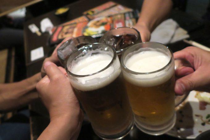那覇・おもろまち「喰いしん坊太郎」樽生の金麦(360円)で乾杯