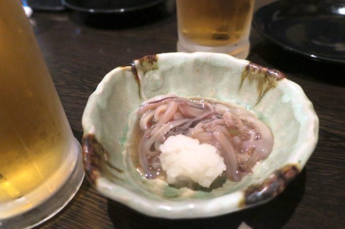 那覇・おもろまち「喰いしん坊太郎」真イカのわさび漬け(380円)