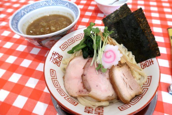 南風原・環境の杜ふれあい「ぬーじボンボン ニュータイプ」魚介豚骨つけ麺(750円)