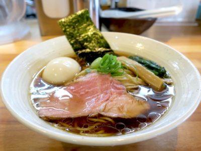 与那原「NAGISA okinawan ramen.(なぎさ おきなわ らーめん)」味玉醤油らーめん(850円)