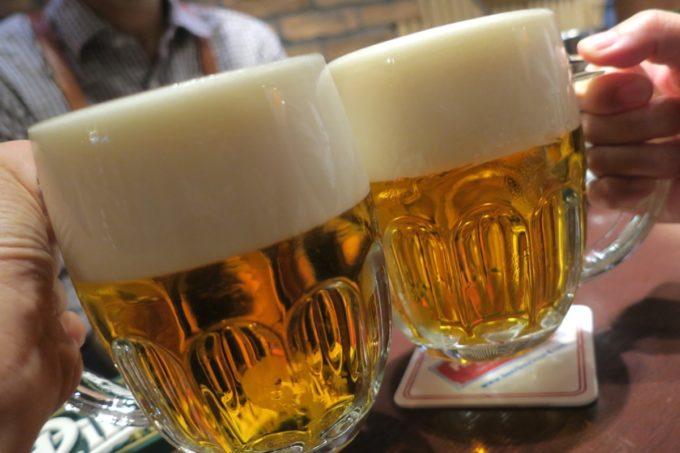銀座「ピルゼンアレイ(PILSEN ALLEY)」ピルスナーウルケルで乾杯。