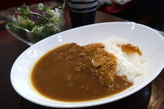 那覇・久茂地「珈琲屋 茶暮里(さぼうる)」ランチに食べたカツカレー(780円)