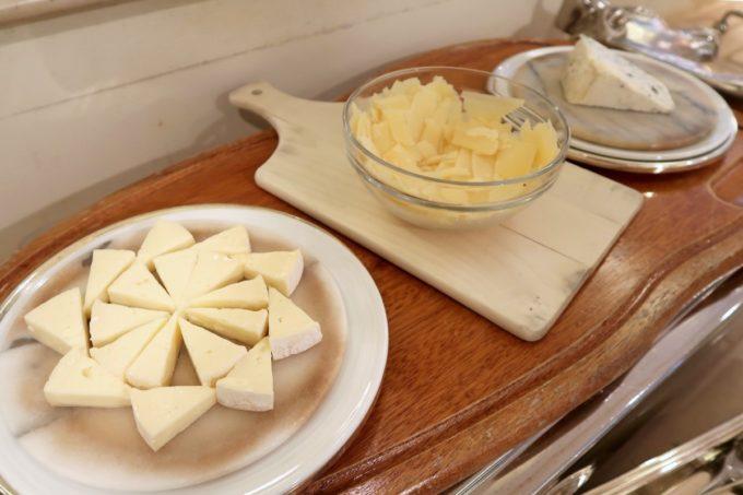 ザ・ナハテラスのレストラン「ファヌアン」平日ランチではチーズも食べ放題