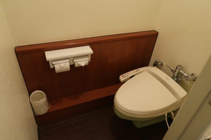 沖縄かりゆしビーチリゾート・オーシャンスパのウィングタワーにあるフォースルーム(オーシャンビュー)のトイレ。