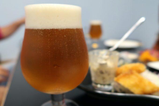 宜野湾「PePePe(ペペペ)」飲み放題のクラフトビール2杯目はインドの青鬼。