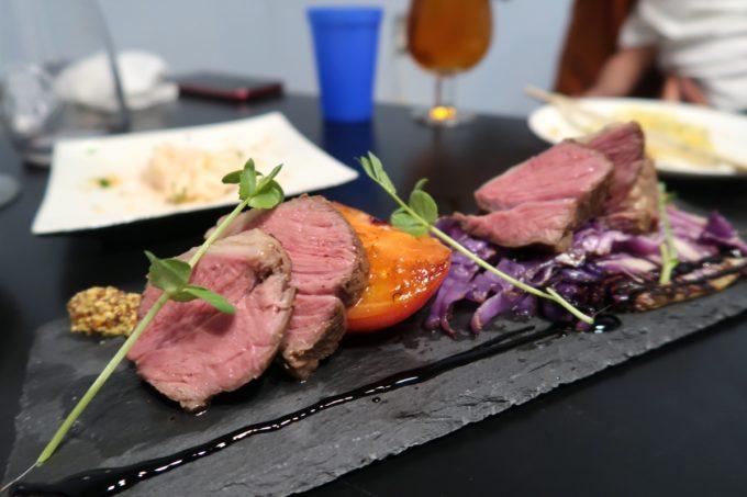 宜野湾「PePePe(ペペペ)」ラムランプ肉のロースト(980円)をおかわり。