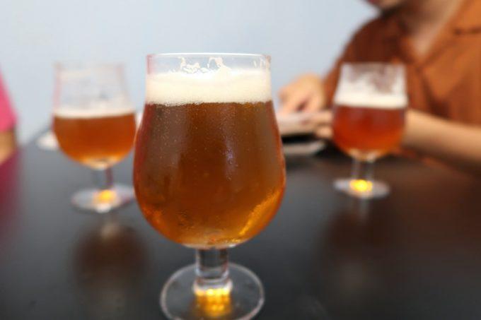 宜野湾「PePePe(ペペペ)」飲み放題のクラフトビールはよなよなエールでスタート。