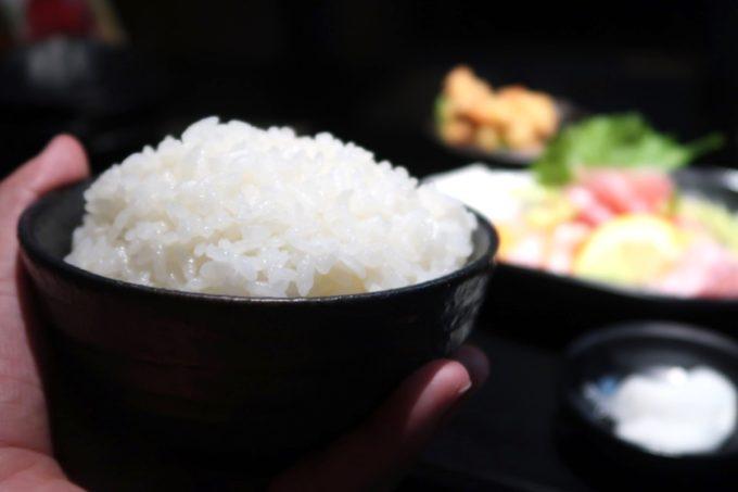 名護「山原新鮮組」定食のごはんはてんこ盛り。