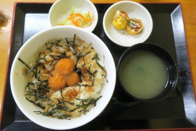 八重瀬・アグリハウスこちんだ内「たまごめし」漬け卵黄ご飯定食(460円)