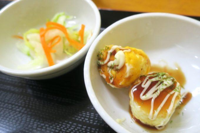 八重瀬・アグリハウスこちんだ内「たまごめし」漬け卵黄ご飯定食についてきた副菜。