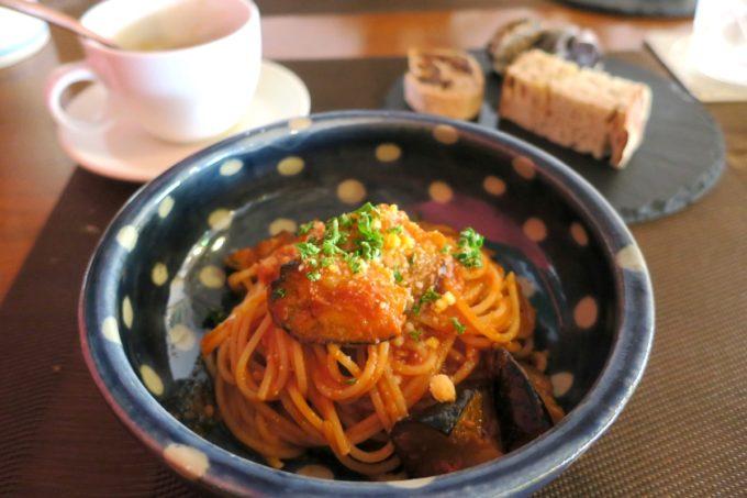 那覇・久茂地「Cucina Naha(クッチーナナハ)」ランチのトマトパスタ(1000円)