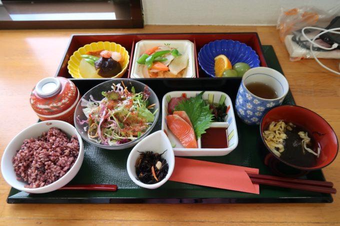 南風原町にある沖縄県健康づくり財団のアンチエイジング定食