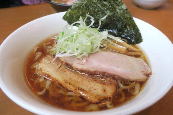 読谷村長浜「麺屋 シロサキ」醤油らーめん(750円)