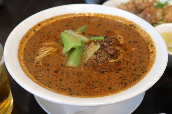 那覇・首里「中華厨房 齊華房」ランチの四川坦々麺