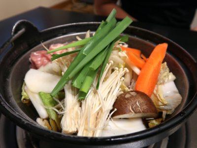 両国「相撲茶屋 寺尾」ランチのサービスちゃんこ鍋のしょうゆ味(Aセット1200円)