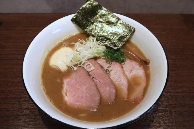 宜野湾「麺処 わた琉」特製豚骨魚介ラーメン(1000円)