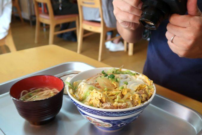 豊見城「海洋食堂」かつ丼(720円)