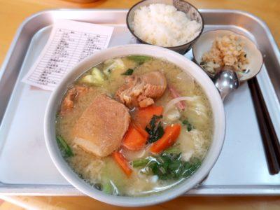 豊見城「海洋食堂」みそ汁(520円)