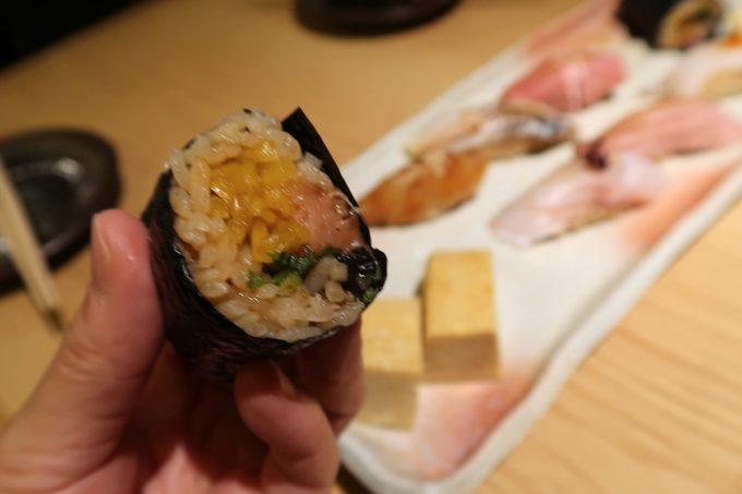 那覇・久茂地「焼乃魚島」赤酢の酢飯のねぎとろタク(250円)がおいしかった