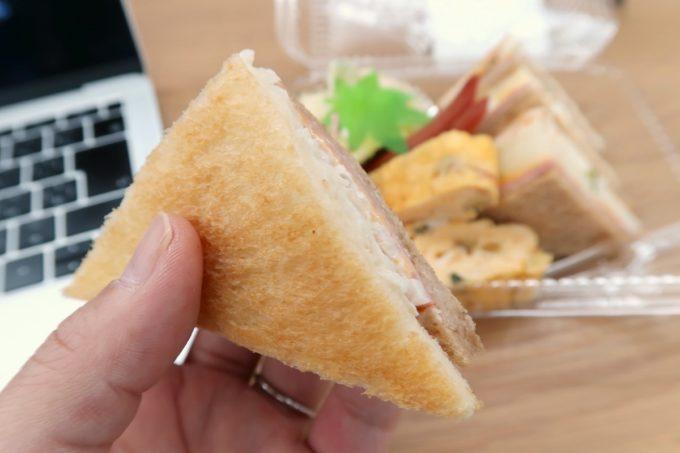 那覇・久茂地「ベーカリー ファリーヌ」モーニング(350円)のサンドイッチはトーストが使われていた