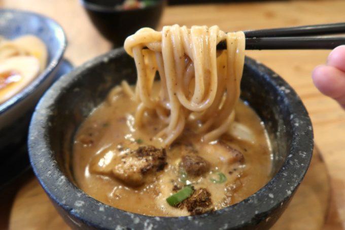 沖縄市園田「下品なぐらいダシのうまいラーメン屋」つけ麺をいただく