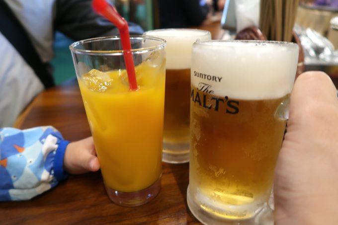 那覇・松尾「末廣ブルース」注文したビールはサントリーモルツ(450円)、オレンジジュース(300円)