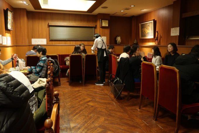 東銀座の歌舞伎座横にある「喫茶YOU」の2階席