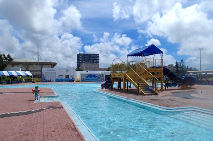 嘉手納町「兼久海浜公園ウォーターガーデン」1時間ごとに10分休憩がある