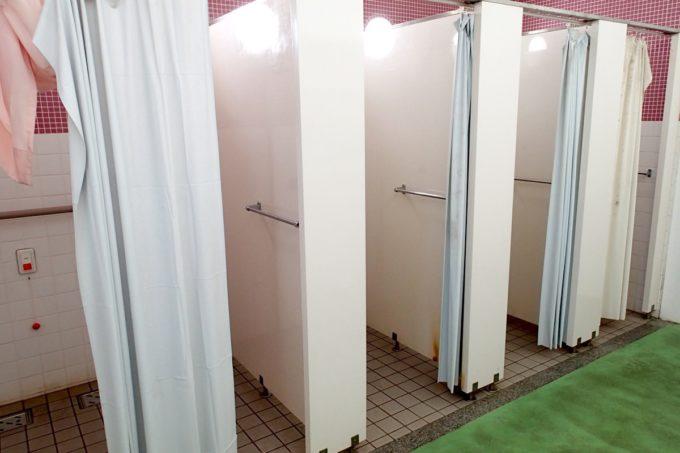 嘉手納町「兼久海浜公園ウォーターガーデン」シャワー施設が無料で使える