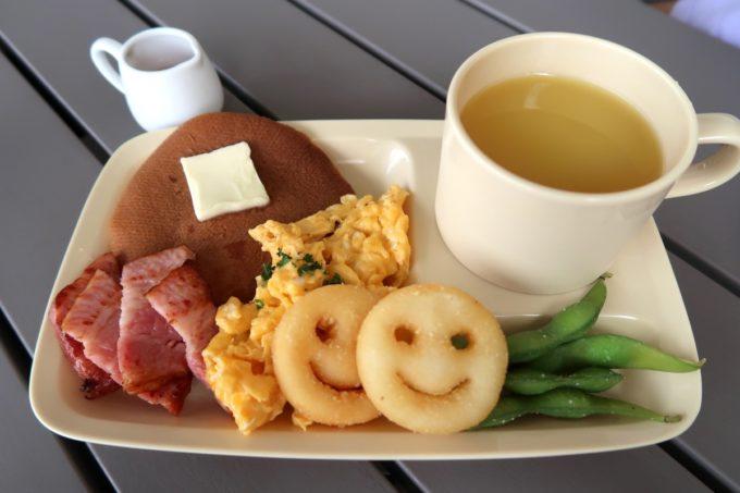 北谷「& Eggs(アンドエッグス)」キッズプレート(680円)