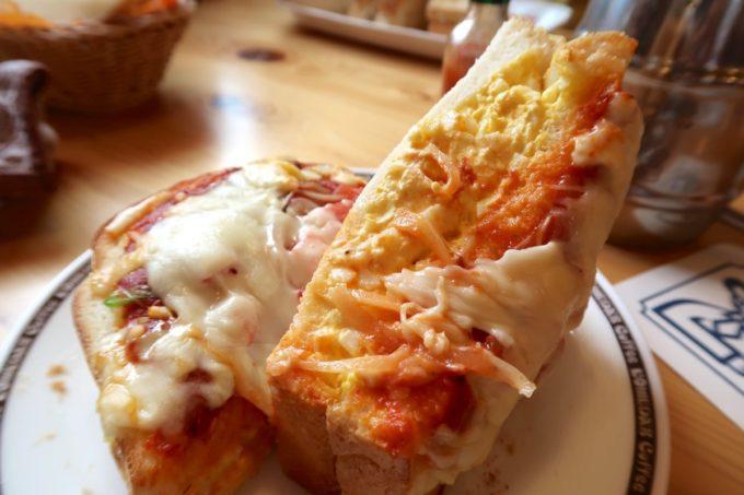 北谷・伊平「コメダ珈琲店 沖縄北谷58号店」たっぷりたまごのピザトースト(720円)は見るからにカロリーが凄そうだった