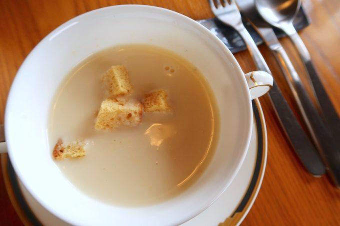 沖縄市・泡瀬「ハーベスト」ランチのスープが優しく味わい深くおいしい