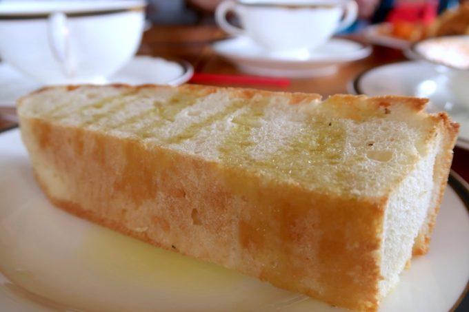 沖縄市・泡瀬「ハーベスト」ランチについてくるパンはフォカッチャタイプだった