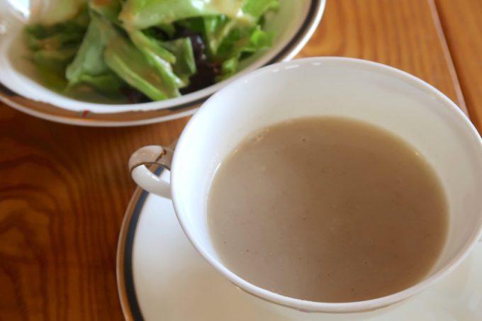 沖縄市・泡瀬「ハーベスト」ランチのごぼうスープとサラダ