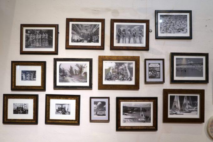 沖縄・恩納村「ホテルムーンビーチ」の昔を展示する白黒写真