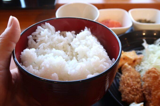 豊見城市「沖縄やまや」定食のごはんは大盛り(300g)にした