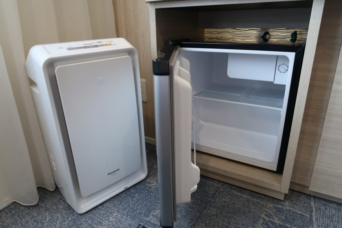 那覇市西町「ホテル・トリフィート那覇旭橋」空の冷蔵庫が嬉しい