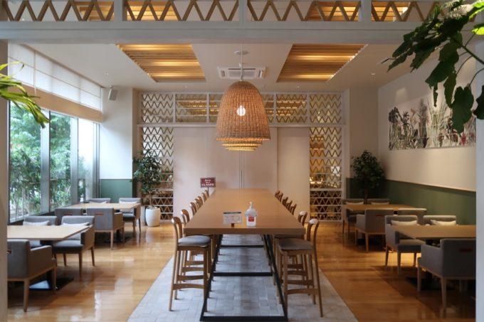 那覇市西町「ホテル・トリフィート那覇旭橋」のレストラン、カフェ・クワッチェ