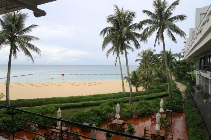 恩納村・ホテルムーンビーチ「コラーロ」からの眺め
