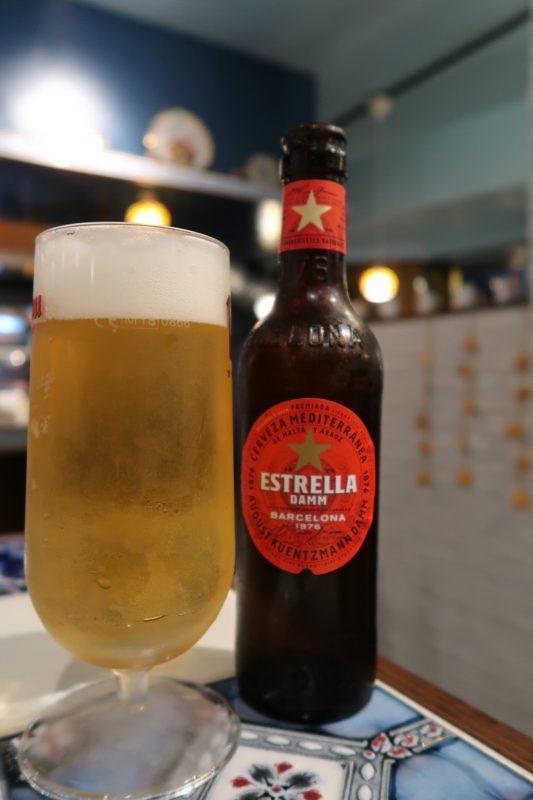 那覇市松尾「ピンチョス チキート(Pintxo CHIQUITO)」ビールはエストレージャダムをいただく