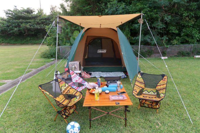 ユインチホテル南城のキャンプ場でテントを張るのに60分を要した