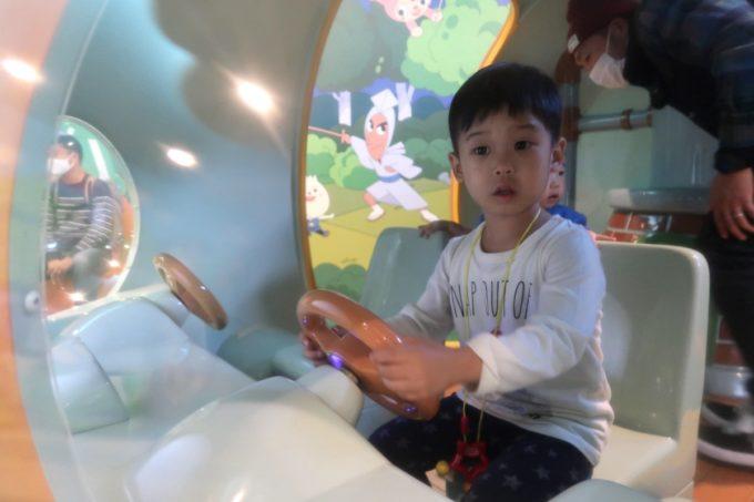 「仙台アンパンマンこどもミュージアム」アンパンマンごうに乗り込んで遊ぶお子サマー