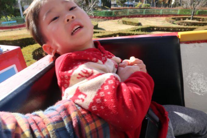 仙台市「八木山ベニーランド」ジェットコースターで怖すぎてのけ反るお子サマー