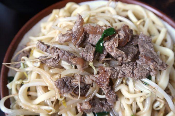 大宜味村「前田食堂」牛肉そばの細切り牛肉