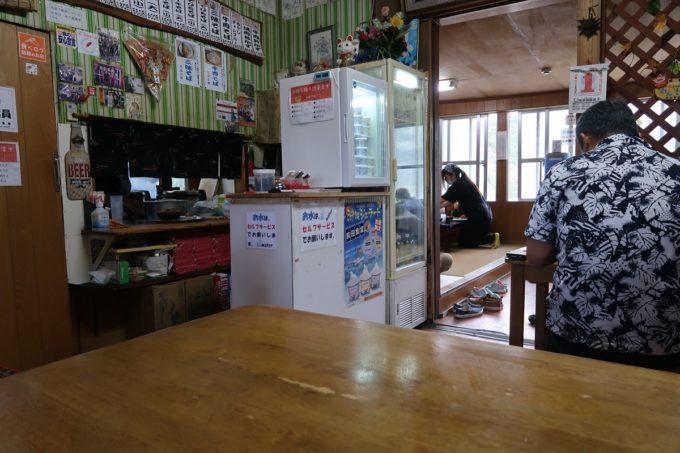 大宜味村「前田食堂」の店内