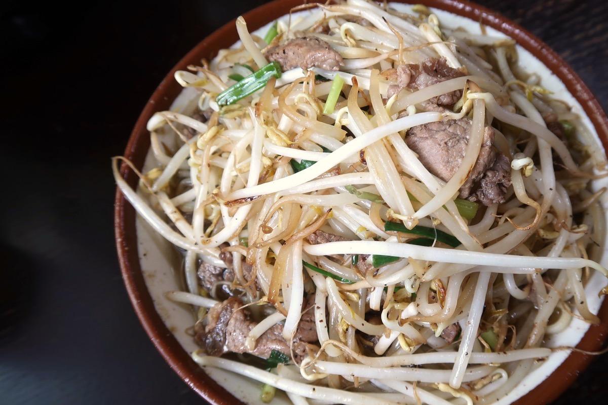 大宜味村「前田食堂」牛肉そば(800円)