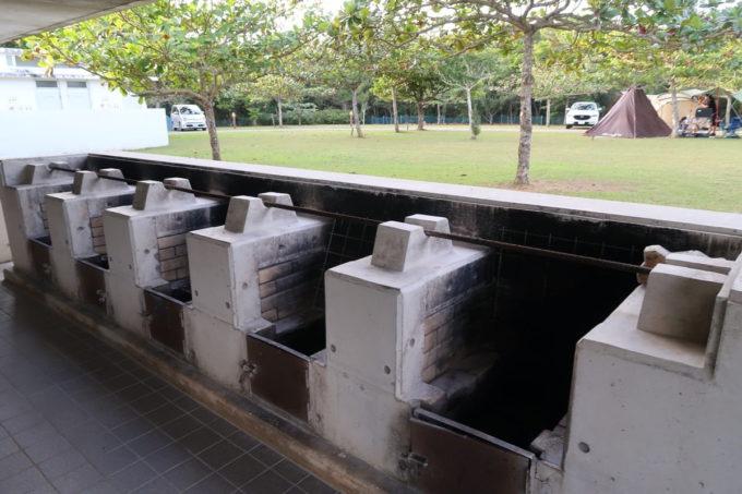 沖縄県東村「つつじエコパーク」キャンプ場のかまど場