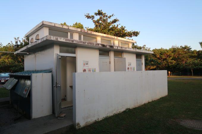沖縄県東村「つつじエコパーク」キャンプ場の簡易シャワー室