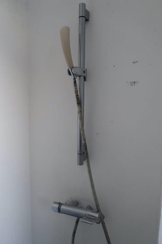 沖縄県東村「つつじエコパーク」キャンプ場の簡易シャワー