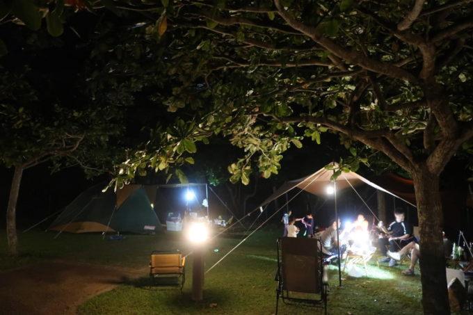沖縄県東村「つつじエコパーク」でオートキャンプを楽しむ